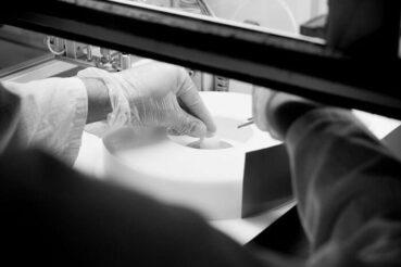 Manufacturing glass disc